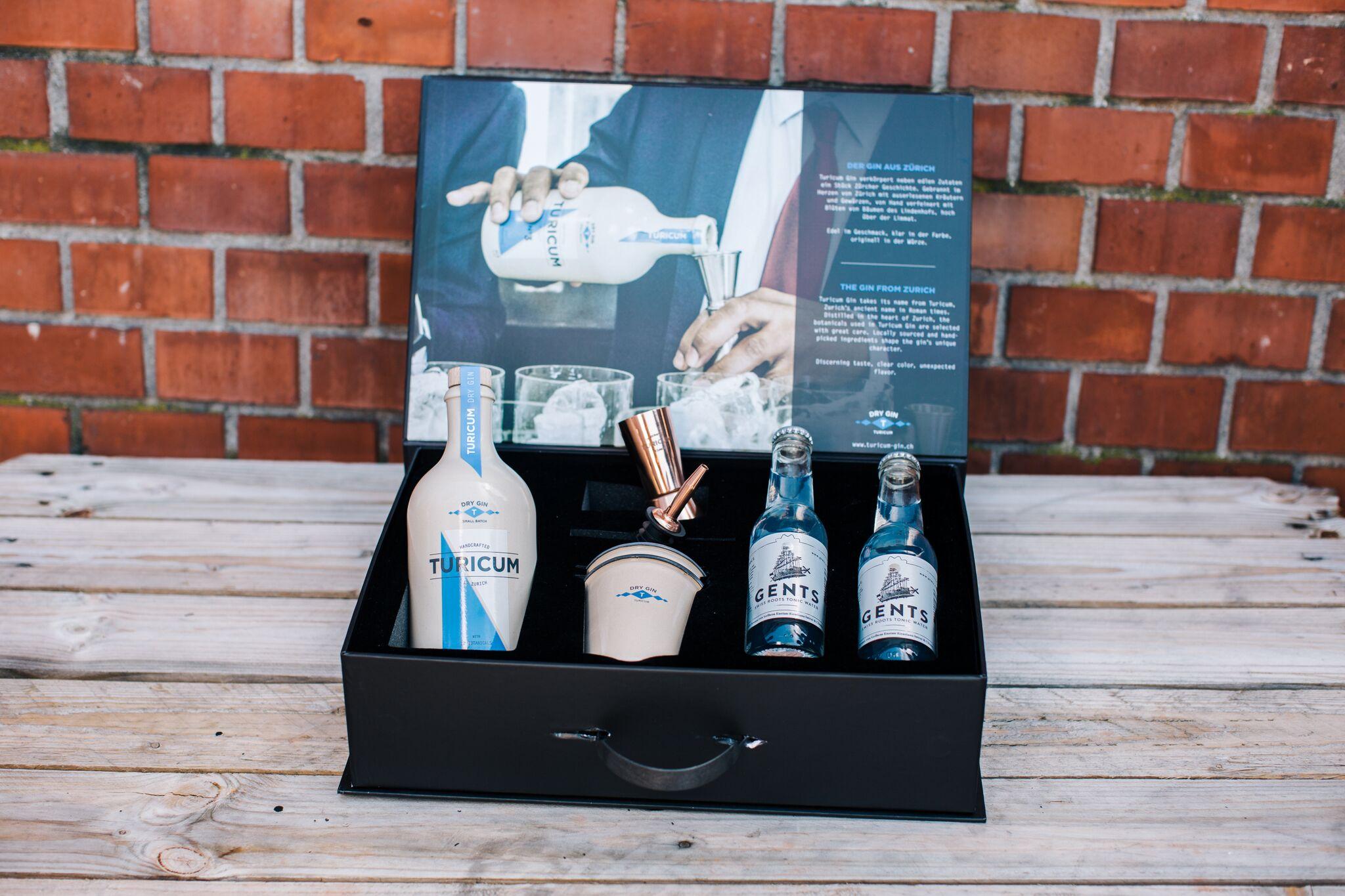 Turicum Gin Lab Box by Sandra Marusic Photography