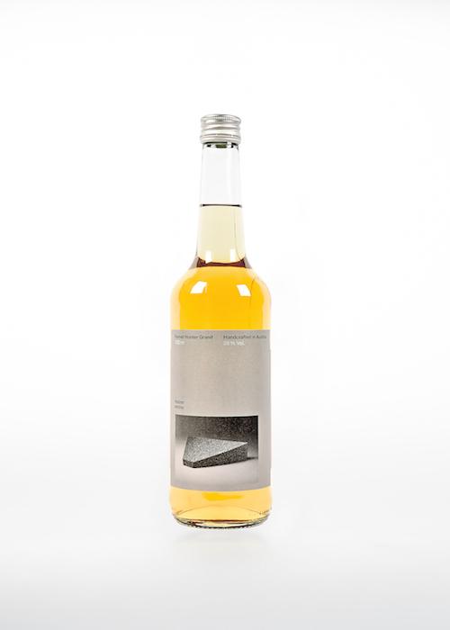 Fernet Hunter Granit Bottle Front