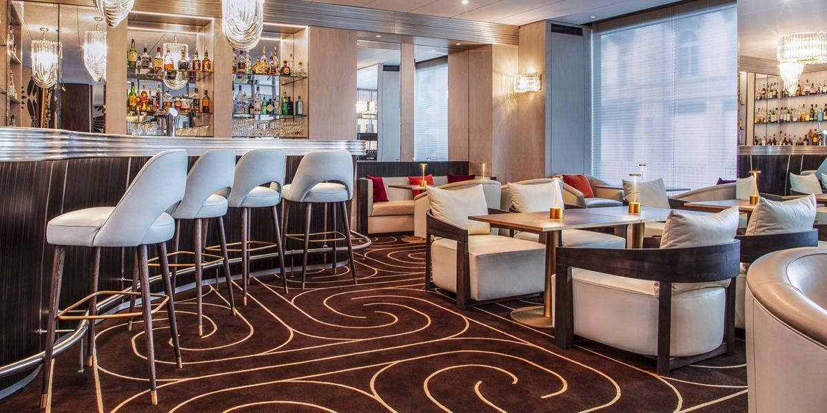 Hotel Bristol Geneva Piano Bar Cocktails Drinks Afterwork