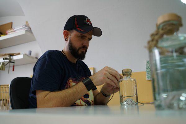 Purest Sail Gin Craft Gin Handmade Cork HAndknotted Hemp Rope