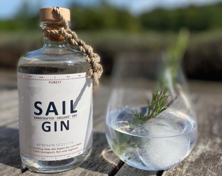 Purest Sail Gin Tonic