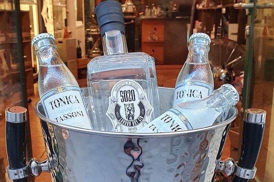 5020 Gin Salzburg Austria Österreich Tonica Tassoni