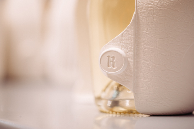 Ruinart Second Skin Champagne Blanc de Blancs Sustainable Packaging Detail R