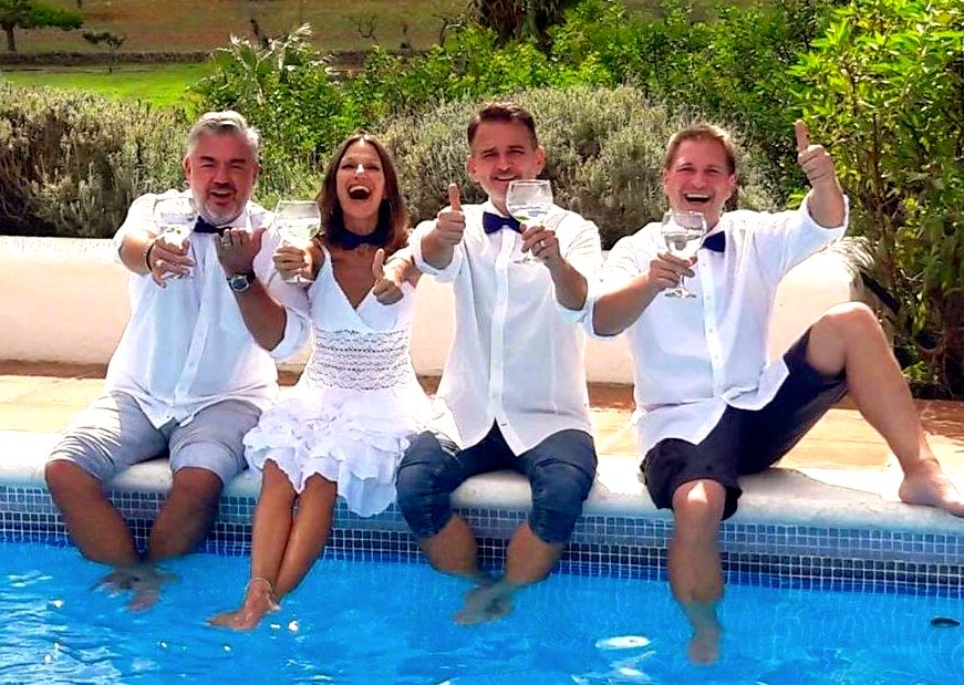 LAW Gin Makers, Dirk, Luna, Alex, Wolfi by the Pool
